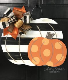 "Terrific Pictures Double Pumpkin - Black Stripe & Orange - Door Hanger Thoughts Your individual door hanger Sure, the classic is obviously the door pendant, in which on leading "" Moldes Halloween, Adornos Halloween, Wooden Pumpkins, Painted Pumpkins, Fall Home Decor, Holiday Decor, Fall Door Hangers, Halloween Door Hangers, Pumpkin Door Hanger"