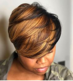 Hello here are some lovely and classy hairstyles for the ladies. Every lady needs to look good in her hair so you can choose from these ones and see how beautiful you will look. Short Sassy Hair, Short Hair Cuts, Short Pixie, Dope Hairstyles, Pretty Hairstyles, 27 Piece Hairstyles, Black Hairstyles, Short Haircut Styles, Short Styles