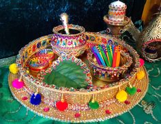A complete Mehndi Rasam tray, in vibrant multicolours. See Desi Wedding Decor, Wedding Stage Decorations, Wedding Events, Wedding Ideas, Wedding Stuff, Hibiscus Wedding, Mehndi Function, Mehndi Party, Mehndi Night