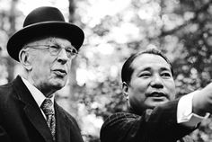British historian Arnold Toynbee and Daisaku Ikeda began their dialogue in London in 1972