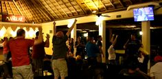 Sports bar, the place to show your true passion  Sports bar, el lugar para enseñar tu verdadera pasión
