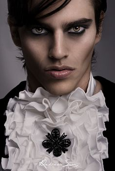 Modelo: Carlos Make-up:Carmen Montoro Estilismo: VRL Collection (Paco Varela) +nueva colección+