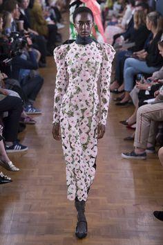 Erdem Spring 2019 Ready-to-Wear Collection - Vogue Fashion 2018, Runway Fashion, Fashion Brands, London Fashion, Fashion News, Women's Fashion, Fashion Design, Kate Middleton, Catwalk Models