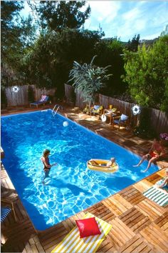 35 Modern Pool Deck Designs for Your Backyard. Patio and pool bars are an excellent spot. There lots of solutions that are excellent to keep to maintain your swimming pool deck space pleasurable yearl. Diy In Ground Pool, Above Ground Pool Landscaping, Backyard Pool Landscaping, Backyard Pool Designs, In Ground Pools, Landscaping Ideas, Backyard Projects, Above Ground Swimming Pools, Landscaping Blocks