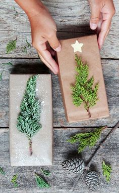 Beautiful & super easy DIY Christmas gift wrapping ideas, using upcycled brown paper & free natural materials to create festive designs that everyone loves!Gift Wrapping Ideas-Free & Gorgeous DIY Christmas Gift Wrapping in 5 Minutes - A Piece Of Rain Easy Diy Christmas Gifts, Noel Christmas, Christmas Gift Wrapping, All Things Christmas, Holiday Crafts, Christmas Ornaments, Wrapping Gifts, Christmas Ideas, Cheap Christmas