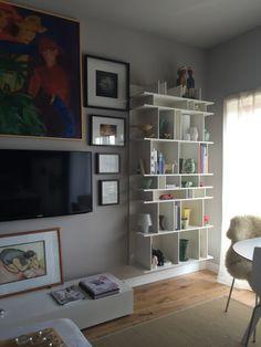 love my boconcept como wall shelf everything looks great. Black Bedroom Furniture Sets. Home Design Ideas