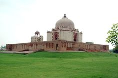 Sonipat Haryana India- A Historical Reminiscence - #Sonipat, #Khwaja_Khizr #Tomb different lookout place. The tomb was built during the rule of Ibrahim Lodi in the year from 1522 AD to 1525 AD. #travel #wanderlust