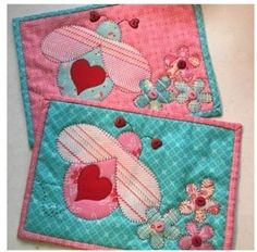 Love Bug Mug Rug Pattern by Quilt Doodle Designs Tree Quilt Pattern, Mini Quilt Patterns, Mug Rug Patterns, Fabric Cards, Fabric Postcards, Applique Towels, Applique Quilts, Christmas Mug Rugs, Free Applique Patterns