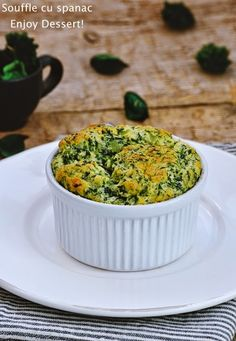 Souffle de spanac Spinach Souffle, Food Ideas, Yummy Food, Kitchen, Desserts, Tailgate Desserts, Cooking, Deserts, Delicious Food