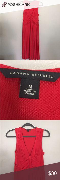 NWOT. Banana Republic Red sleeveless dress. Red sleeveless dress. Silk/stretchy material. Banana republic size M. Low cut. Never worn! Brand new. Banana Republic Dresses Midi