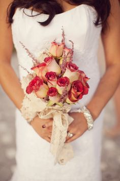 red/cream bouquet - what flowers are these?