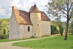 Small Castles, Camping Car, Stone Houses, Loire, Cottage Style, Berry, Medieval, Hunting, Wanderlust
