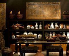 Estantería convertida en musea: Colección Antique