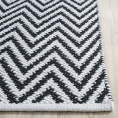 Safavieh Hand-Woven Montauk Black/ Ivory Cotton Rug (5' x 7') - Free Shipping Today - Overstock.com - 18054099 - Mobile