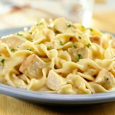 Campbell's chickenand noodles Creamy Chicken And Noodles, Cream Of Chicken Soup, Chicken Noodles, Cooked Chicken, Chicken Pasta, Cheesy Chicken, Amish Chicken, Chicken And Egg Noodles Recipe Easy, Parmesan Noodles
