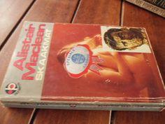 Buy ALISTAIR MACLEAN - SKAAKMAT (THE GOLDEN GATE)  -  VERTAAL DEUR RAY KNOX -  1976 SAGTEBAND for R30.00