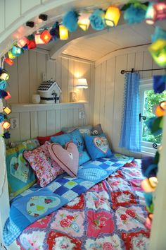 If I ever had a daughter, this cubby room would be so cute