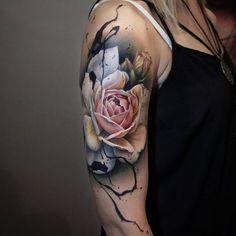 Sandra Daukshta (@sandradaukshtatattoo): Really enjoy making flower tattoos! #inkedmagazine #tattoos #tattooartists #inkedgirl…'