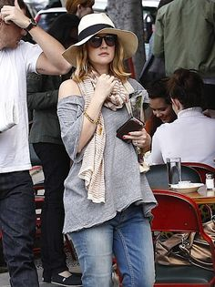 Drew Barrymore hanging with fiance Will Kopelman this month looking quite preggers