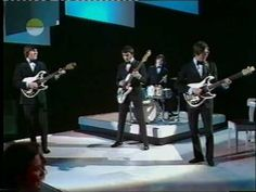 Hank Marvin and The Shadows with some hot UK birds with muscular legs doing bad aerobics! Happy Friday! http://youtu.be/NoN6AKPGkBo