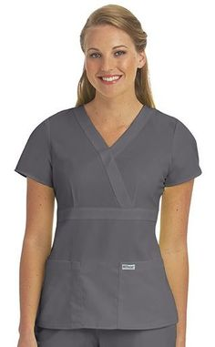 Spa Uniform, Scrubs Uniform, Scrubs Outfit, Hotel Uniform, Greys Anatomy, Beauty Uniforms, African Dresses Men, Blouse Models, Medical Scrubs