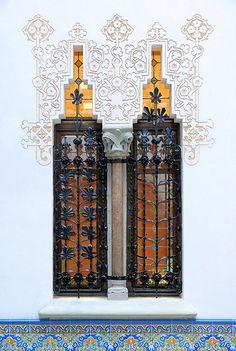 Barcelona - Pg. St. Joan 108 s. Casa Macaya  Architect: Josep Puig i Cadafalch. Modernisme
