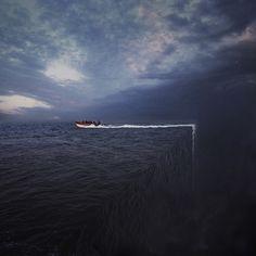 Returning To Homeland Автор: Hossein Zare Retro Photography, World Photography, Creative Photography, Canon Eos, Minimal Art, Graffiti Painting, Photoshop, Photo Boards, Photo Caption
