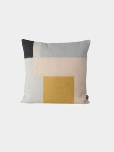 I like the colors and style in this cushion.
