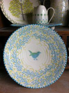 loving katrin moye's beautiful ceramics Pottery Painting, Ceramic Painting, Ceramic Artists, Clay Plates, Wheel Thrown Pottery, Japanese Pottery, Ceramic Pottery, Slab Pottery, Ceramic Bowls