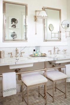 Love this beautiful #bathroom #decor made even more glamorous with silver #customframed mirrors.