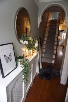 35 + The Unexposed Secret Of Small Entryway Ideas Narrow Hallways Entrance Front Doors 78 - Omah Ide - Victorian Terrace Hallway, Edwardian Hallway, Hallway Mirror, Tiled Hallway, White Hallway, Hallway Flooring, Small Entryways, Small Hallways, Sweet Home