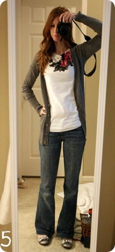 Cardigan, flats & a fun tee! I think the fun tee makes this super cute! Simple Fall Outfits, Classy Outfits, Cute Outfits, Casual Outfits, What I Wore, What To Wear, Flare Jeans Outfit, Jones Design Company, Autumn Winter Fashion