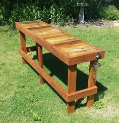 Pallet wood is ideal to create variety of furniture and projects that will bring uniqueness and artistic look to your house. Pallet woods are so comparable, reliable and scalable to use. You can use the pallet woods in making various things like this fine pallet wood outdoor bench.