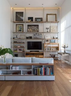 New living room shelves behind sofa table behind couch ideas Living Room Shelves, Cozy Living Rooms, New Living Room, Living Room Sofa, Apartment Living, Home And Living, Bookcase Behind Sofa, Shelf Behind Couch, Table Behind Couch