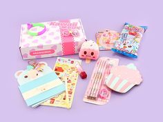 August Kawaii Box featured 12 super cute & kawaii items! Summer and the August Kawaii Box are finally here! Put on the Sunglasses Hairpin, attach the P