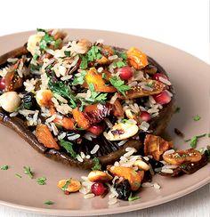 Wild brown rice salad on grilled brown mushrooms Raw Vegan Recipes, Vegan Gluten Free, Vegetarian Recipes, Healthy Recipes, Vegan Foods, Vegan Meals, Vegan Vegetarian, Paleo, Brown Rice Salad