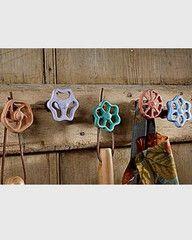 Faucet knob hangers
