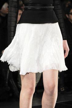 Flirty skirt at Jason Wu Fall 2013 runway #NYFW