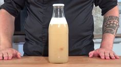 What is Yeast water?  A mix of cultures that we are cultivating in water  Adding fruits, flowers or other edibles to the water and feeding it with extra su. Cooking Videos, Cooking Recipes, Bread Recipes, Sourdough Bread Starter, Flora Intestinal, Vegan Bread, Bread Cake, Bread Rolls, How To Make Bread