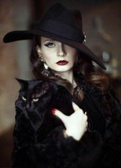 Pin Up Retro, Look Retro, Cat People, Dita Von Teese, Pierre Balmain, Dark Beauty, Gothic Beauty, Belle Photo, Cat Lady