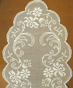 Diy Crafts - Very nice piece to make your place perfect. - x 51 inches)and made from white cotton. This item is pre-order on Crochet Doily Patterns, Crochet Doilies, Crochet Flowers, Crochet Stitches, Diy Crafts Crochet, Crochet Gifts, Crochet Projects, Crochet Table Runner, Crochet Tablecloth