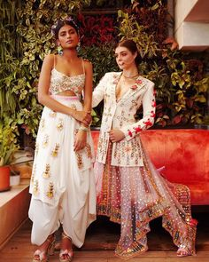 Most Stylish Papa Don't Preach Outfit Ideas for Sassy Brides Bridesmaids Indian Dresses, Indian Outfits, Indian Clothes, Diwali Outfits, Indian Couture, Brides And Bridesmaids, Asian Fashion, Fashion Edgy, Fashion Fall