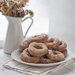 Trucos de cocina: cómo tostar el azafrán para nuestras recetas de arroces y paellas Tostadas, Crockpot, Food, Gastronomia, Bagels, Meals, Clean Washing Machines, Slow Cooker, Essen