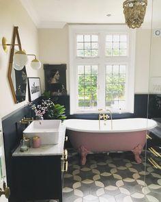 Modern Bathroom Decor Ideas Match With Your Home Design Style Bad Inspiration, Bathroom Inspiration, Victorian Bathroom, Deco Design, Beautiful Bathrooms, My New Room, Bathroom Interior, Bathroom Furniture, Diy Furniture