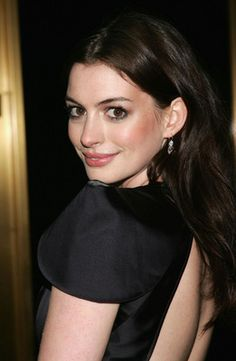 Anne Hathaway AKA Princess Mia Thermopolis