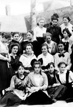Marlene Dietrich,at age 15 in her High School class photo.   During this time,WW1 was raging.Many of her classmates are in mourning attire