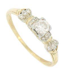 Pretty vintage ring!