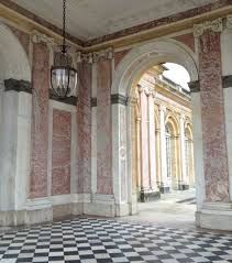 Period rooms with real marble columns in the Palace of Versailles Marble Columns, Marble Wall, Altar, Column Design, Palace Of Versailles, French Architecture, Black Marble, Cladding, Paris