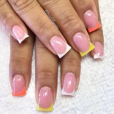 Semi-permanent varnish, false nails, patches: which manicure to choose? - My Nails Acrylic Nail Shapes, Acrylic Nails, French Nails, Flare Nails, Different Nail Shapes, Manicure, Gel Nail Art Designs, Sparkly Nails, Clean Nails