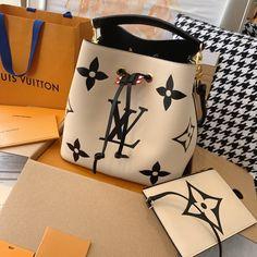 Luxury Purses, Luxury Bags, Trendy Handbags, Purses And Handbags, Best Purses, Girls Bags, Cute Bags, Beautiful Bags, Louis Vuitton Handbags